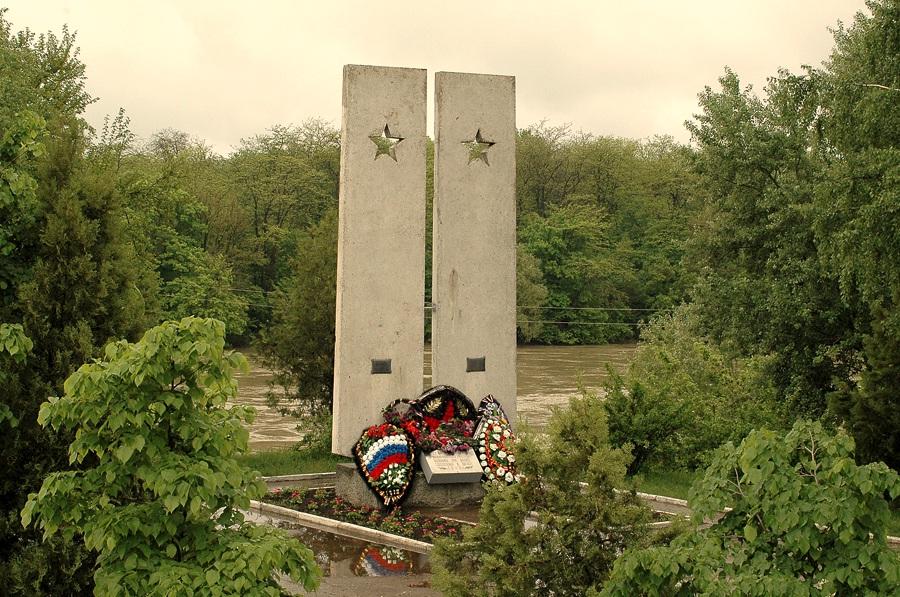 http://memory-map.prosv.ru/memorials/00/02/01/3/4634.jpeg